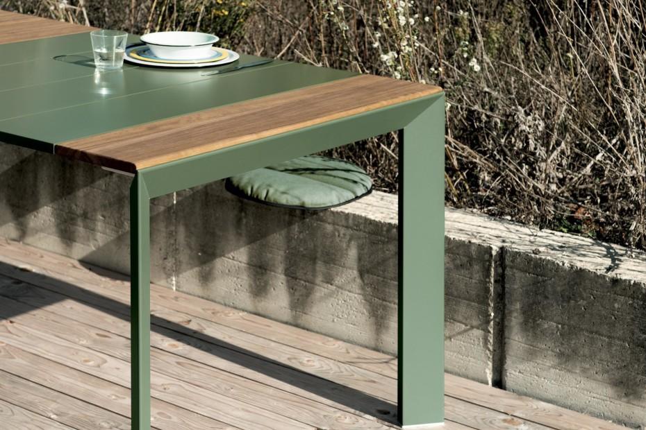 Nori slatted Table
