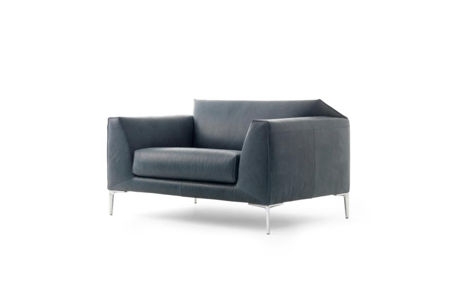 LX675 armchair