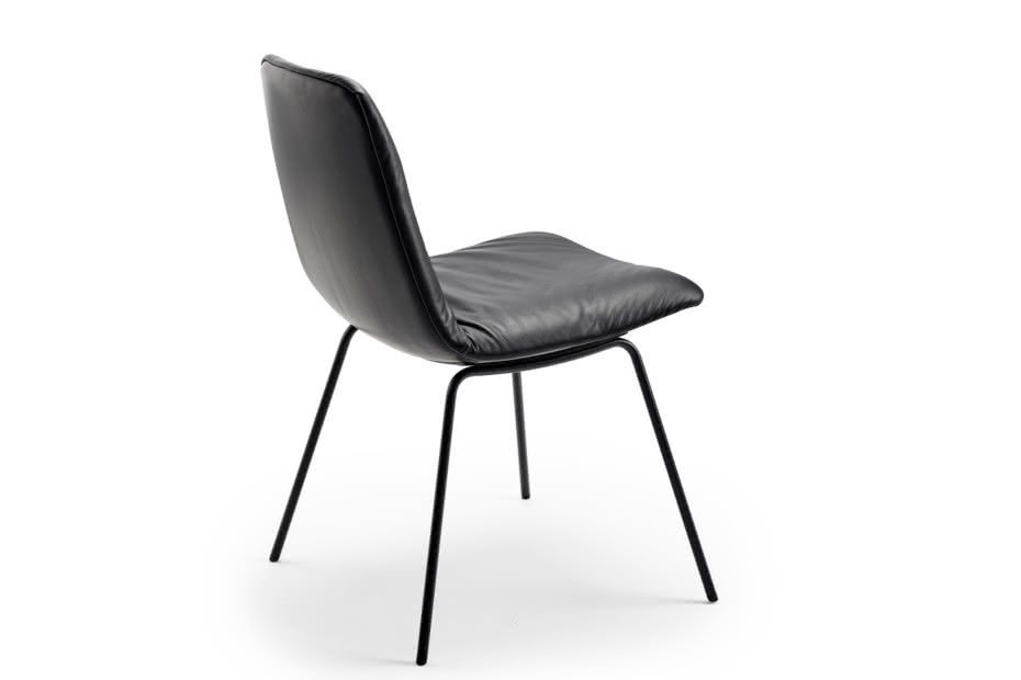 Leya chair with steel frame