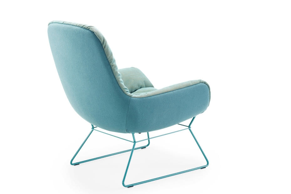 Leya lounge chair with wire frame