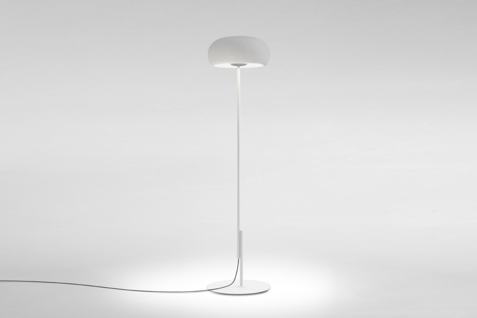 Vetra standing lamp