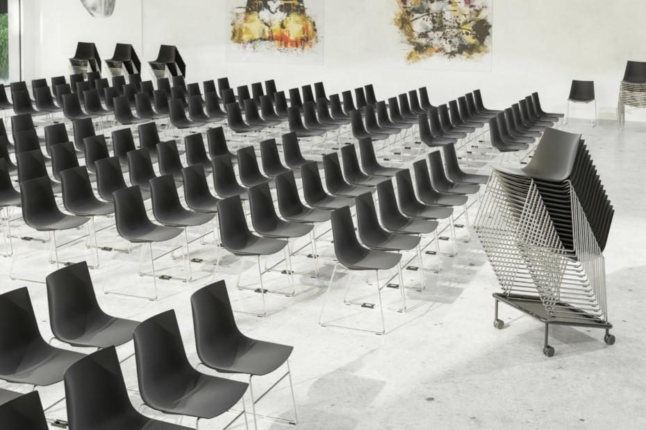 Nava skid-frame chair