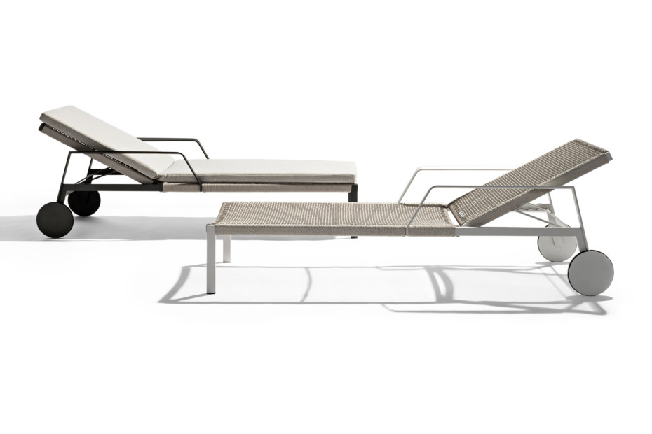 Nodi adjustable lounger