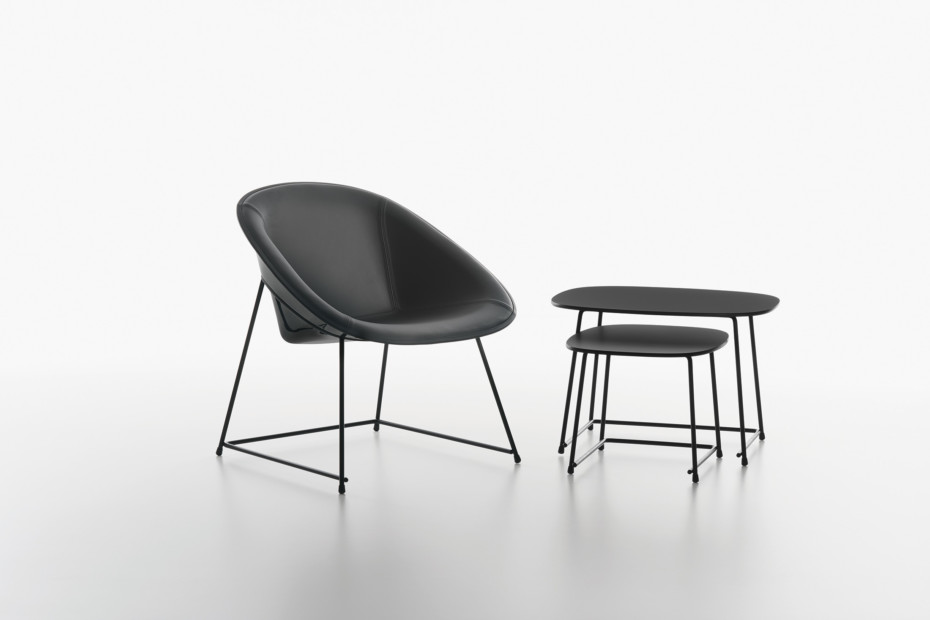 Cup lounge tables
