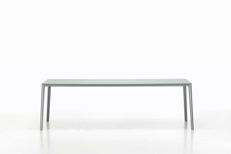 Plate dining table