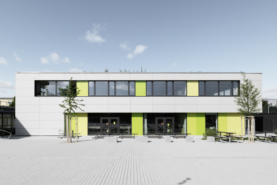 concrete skin, All-day school Germering
