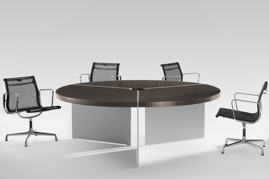 Size conference table