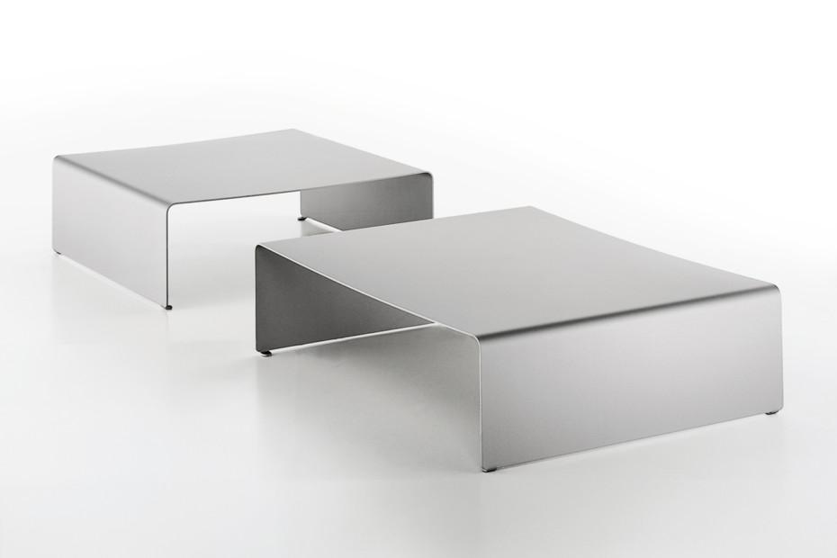 LA TABLE BASSE