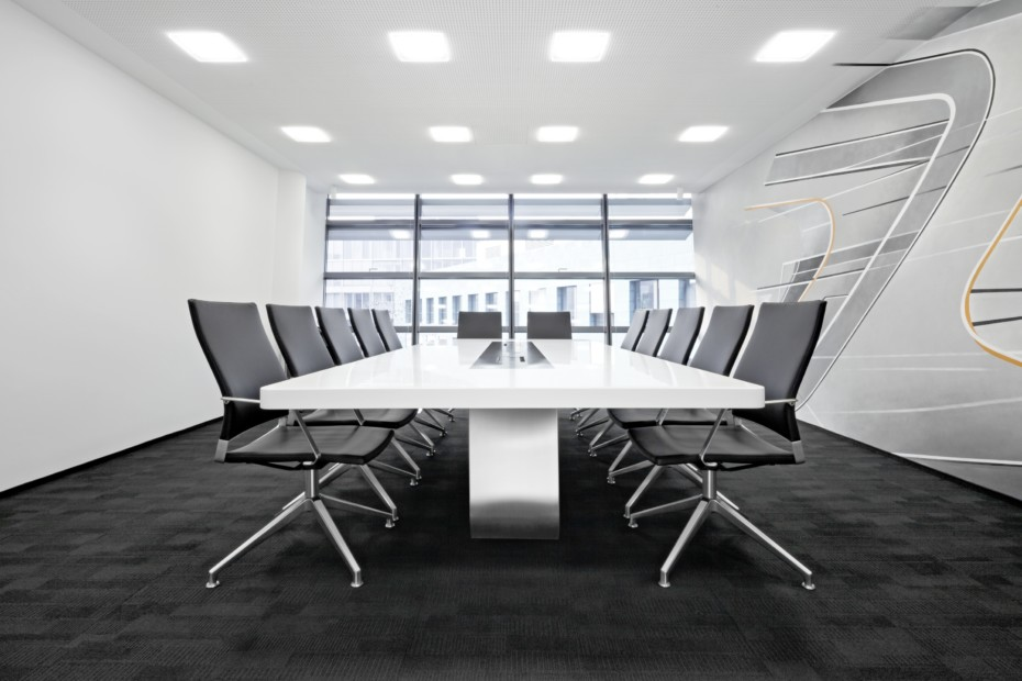 S 8000 Conference table