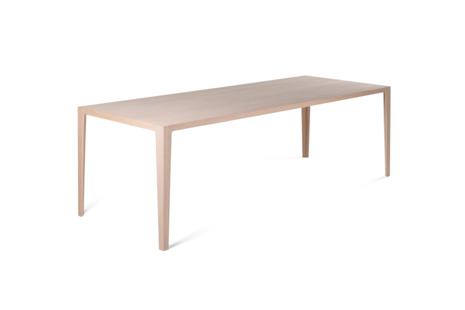 WOGG TIRA table Alfredo