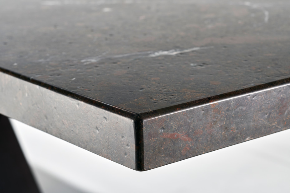 1470 Victor - stone