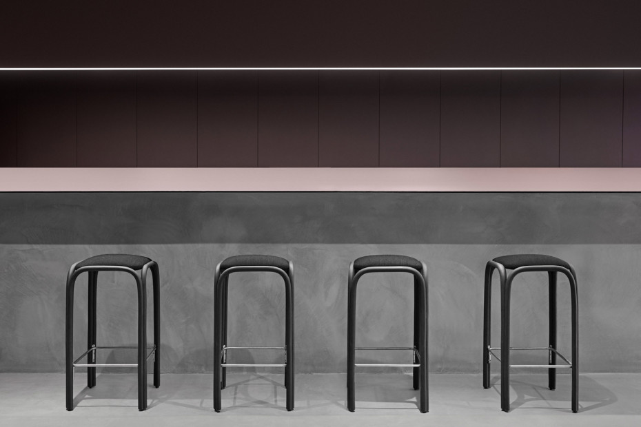 Fontal upholstered high barstool T019 U
