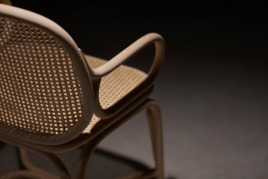 Frames Stuhl mit Armlehne, Fussgestell in Rattan T041 R