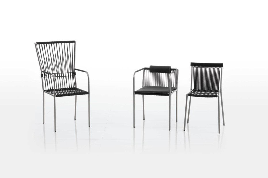 Les Copains bungee chair with armrests