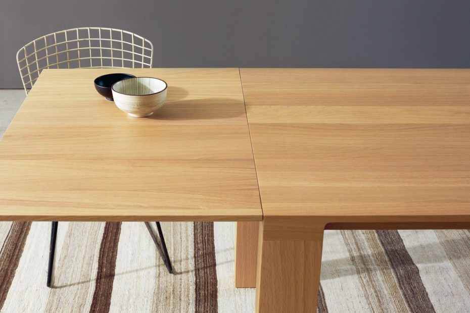 CURVE extendable table