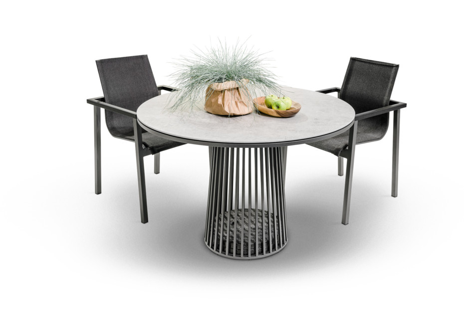 Grid dining table