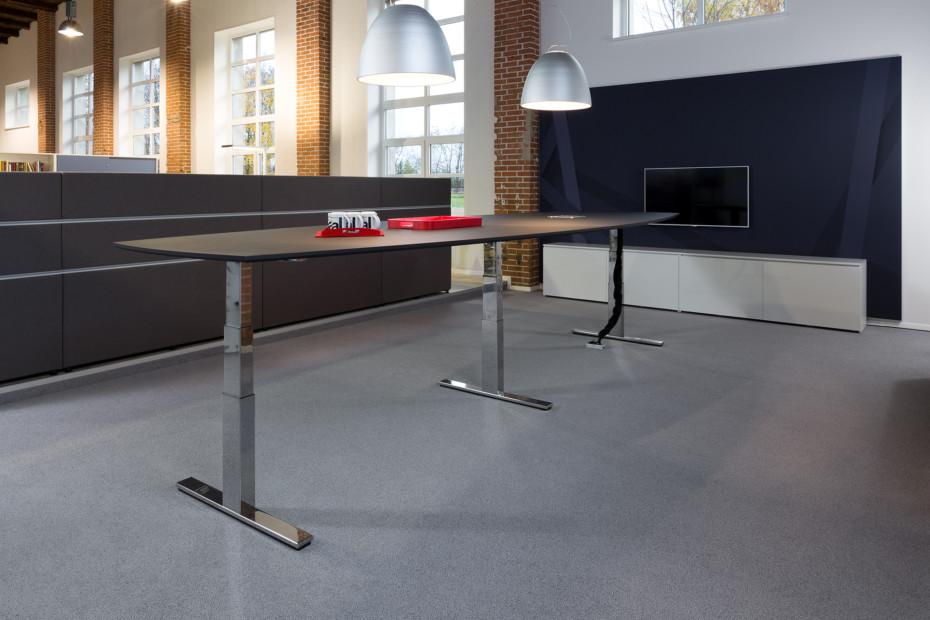 WINEA PRO Steh-Sitz-Tische