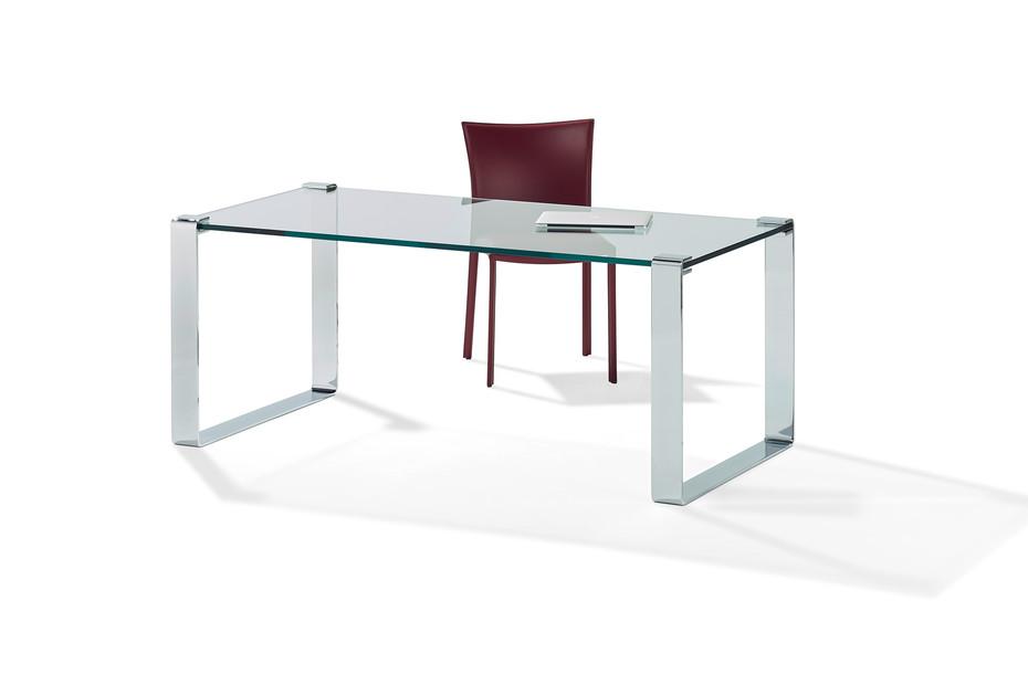 1022 Klassik dining table/writing desk