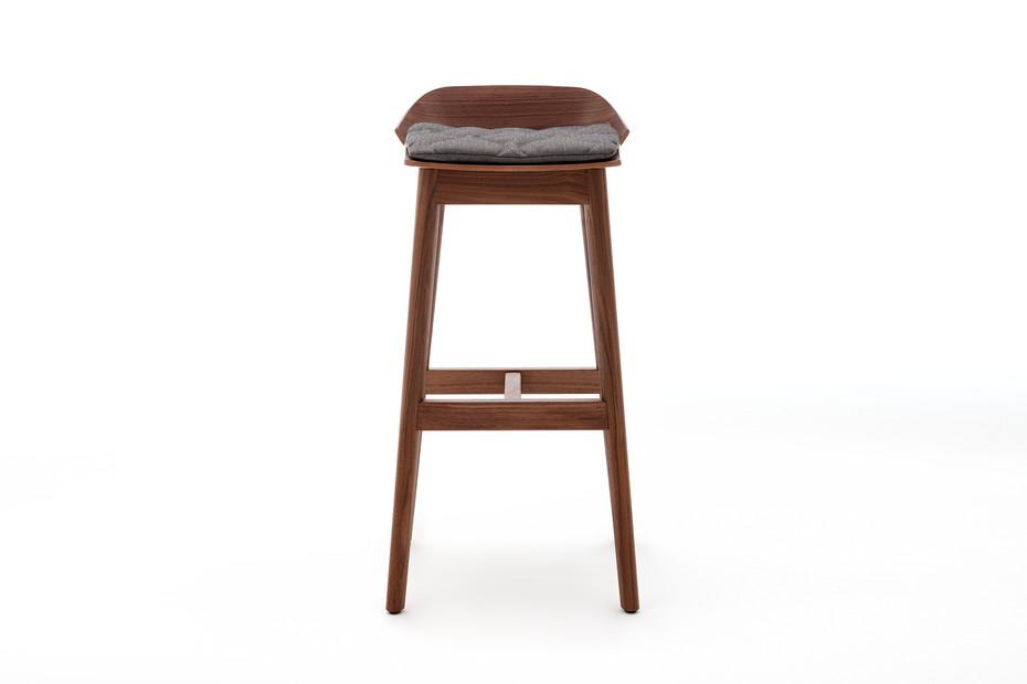 650 bar stool