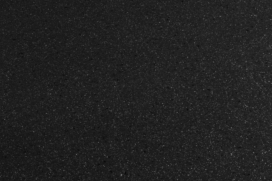 8904. Black Mirror