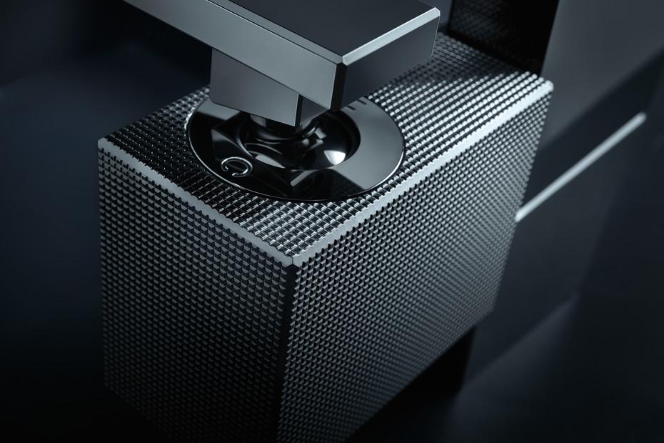 Axor Edge Single lever basin mixer 190 with push-open waste set - diamond cut