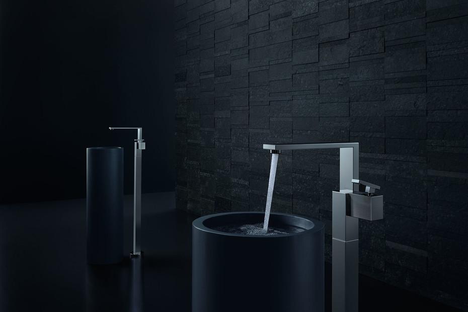 Axor Edge Einhebel-Waschtischmischer bodenstehend mit Push-Open Ablaufgarnitur - Diamantschliff