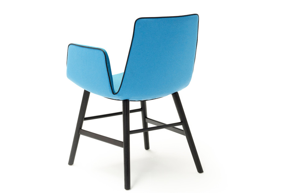 Amelie armchair with wooden frame round