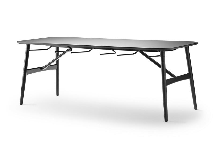 Preludia table
