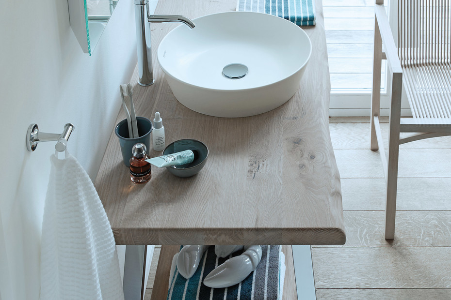 Cape Cod washbasin