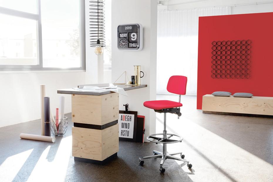 1000 classic swivel counter stool