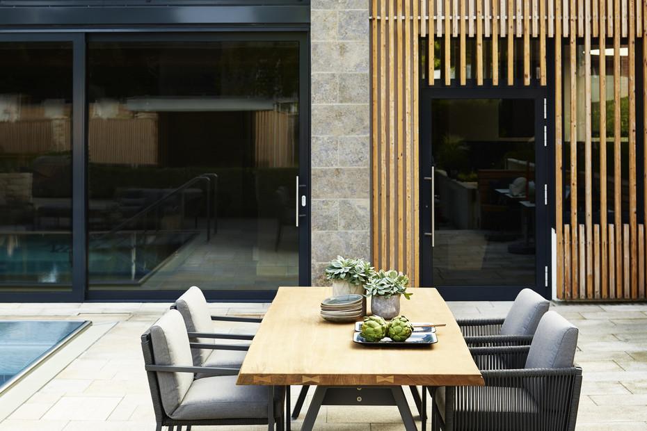 Club dining chair