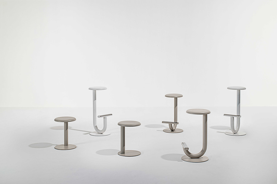 Strong bar table