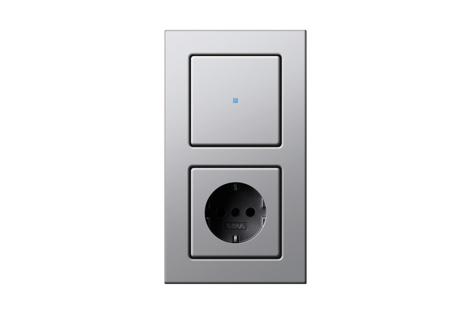 E22 touch control switch/socket outlet