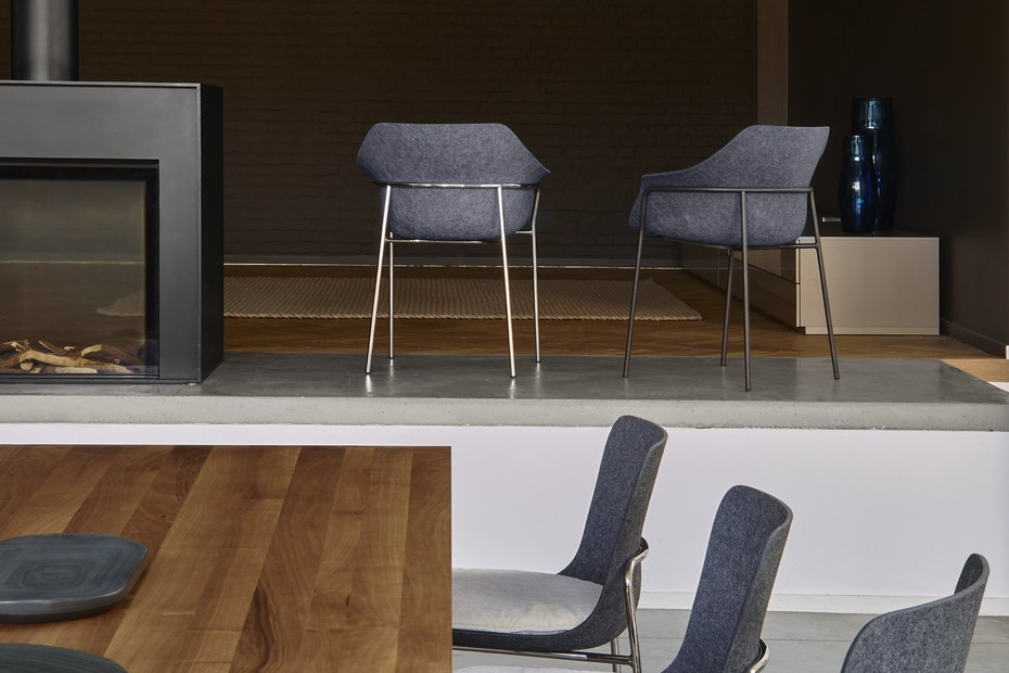 ETTORIANO chair with armrests