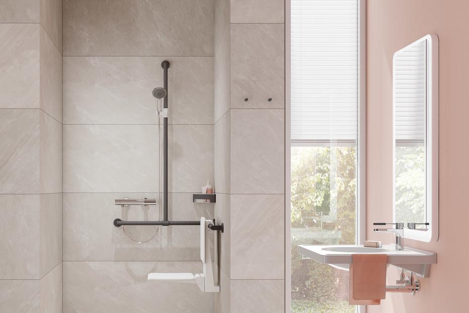 Duschhandlauf mit verschiebbarer Brausehalterstange