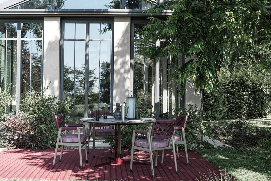 Fly Outdoor table