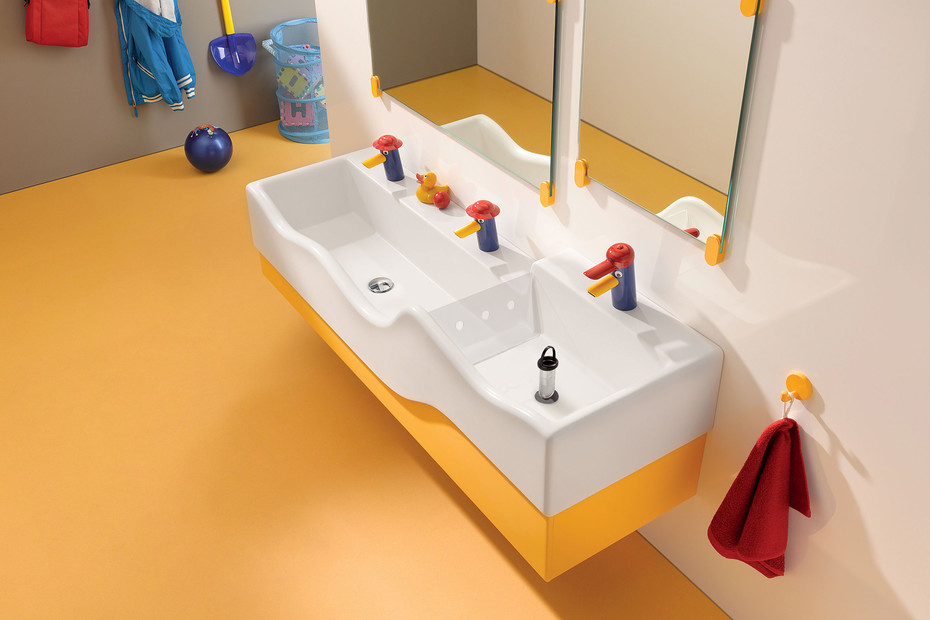 Geberit Bambini play and washing landscape with three washing areas