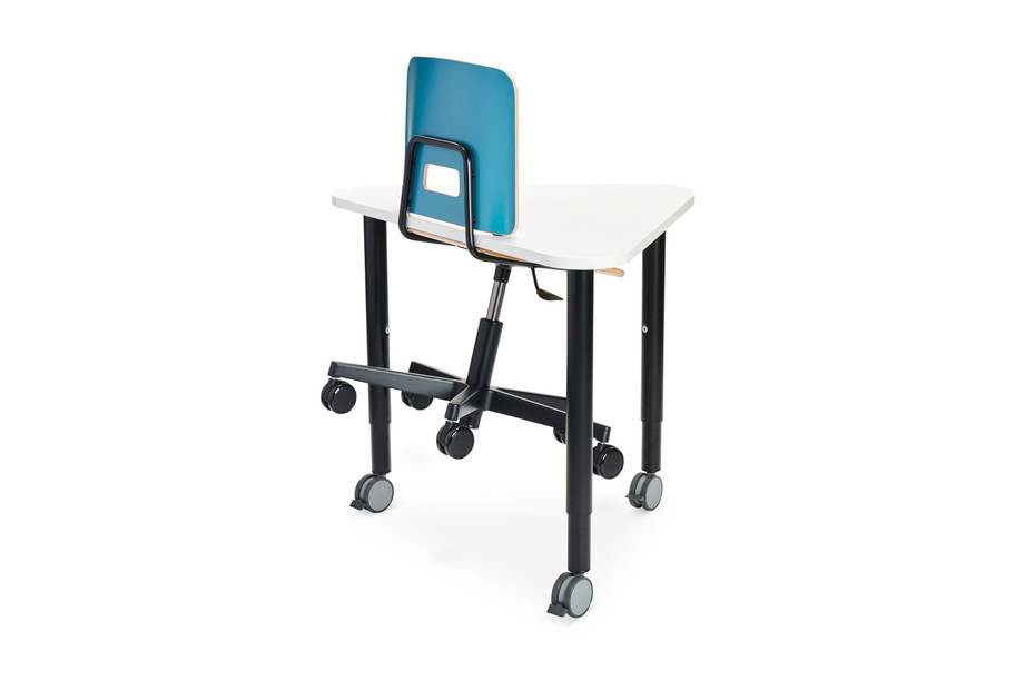 Grip NxT chair with castors and height adjustment