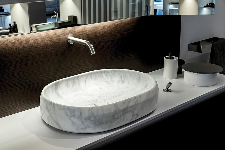 Lariana over countertop washbasin