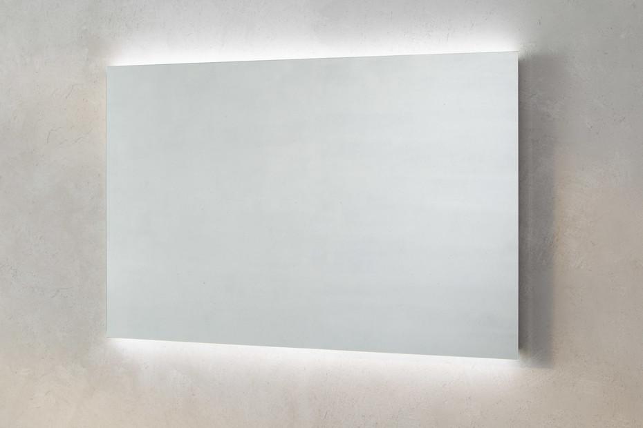 Memoria illuminated mirror