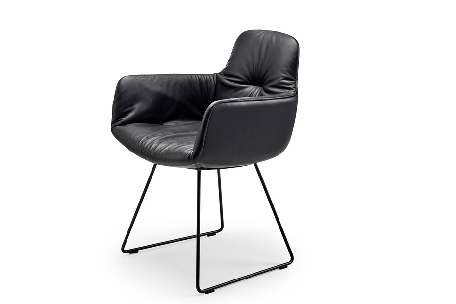 Leya armchair high with skid frame