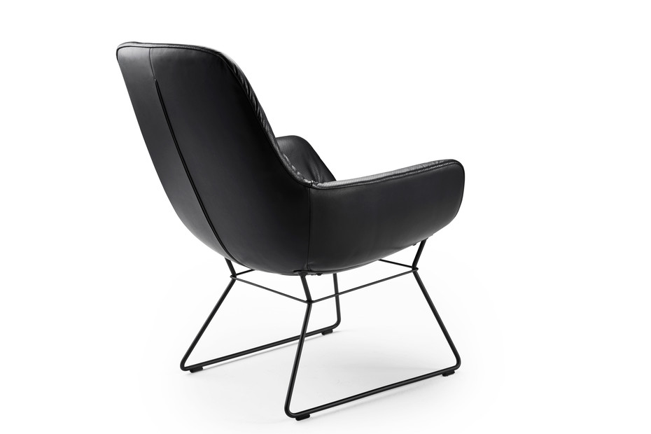 Leya cocktail lounge chair with wire frame