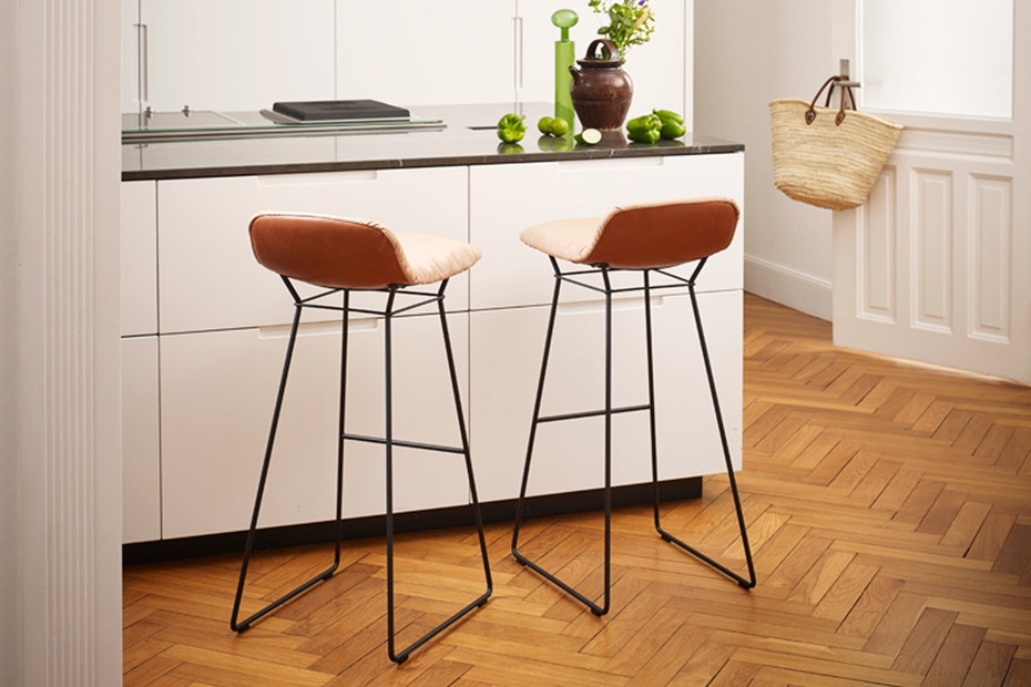 Leya counter stool low