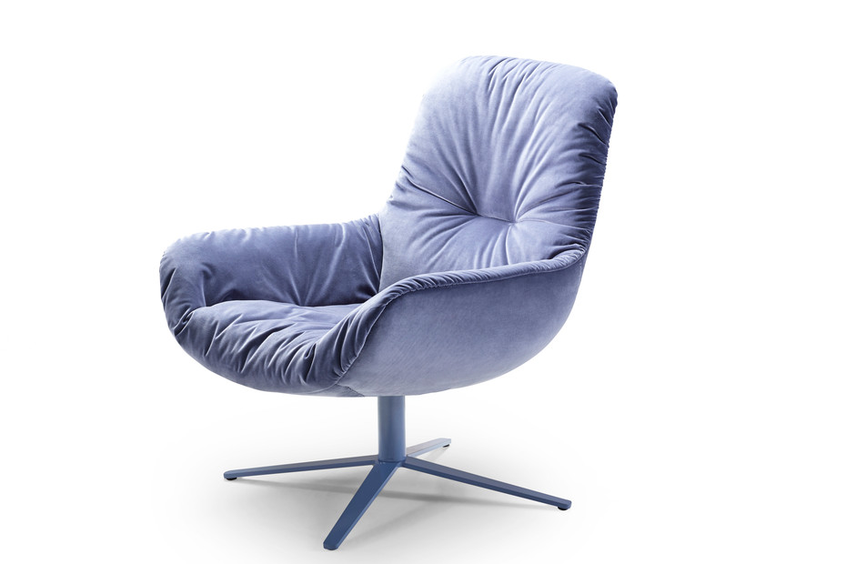 Leya Lounge Chair mit Fußkreuzgestell