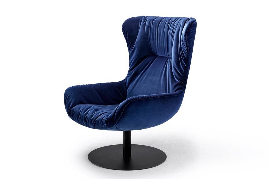 Leya Wingback Chair mit Tellerfuß