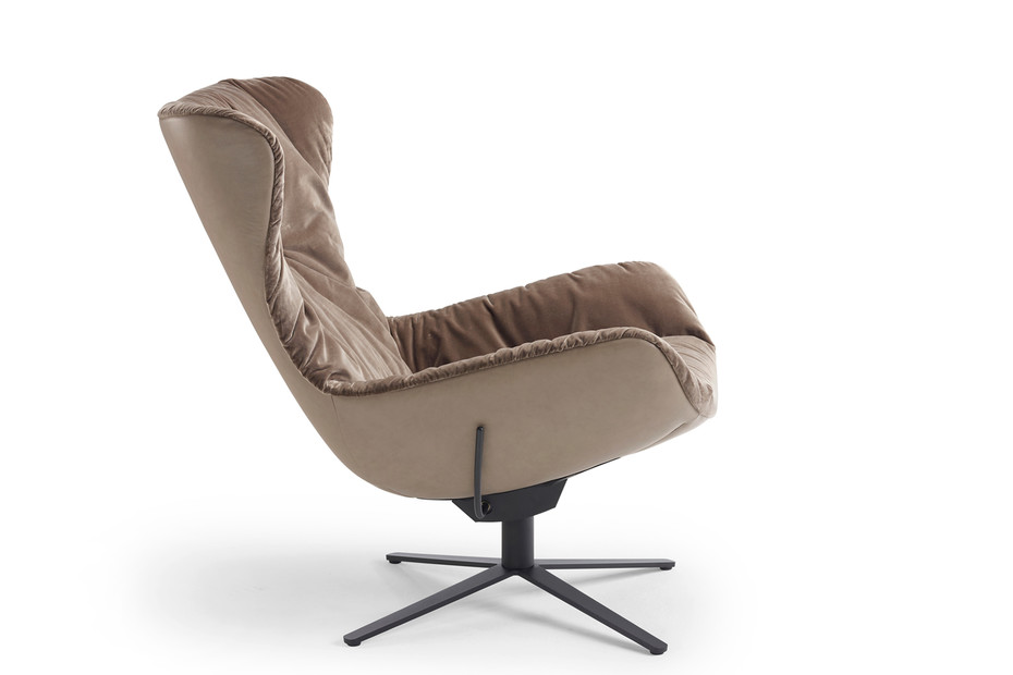 Leya wingback chair with rocker-/tilt mechanism and x-base frame