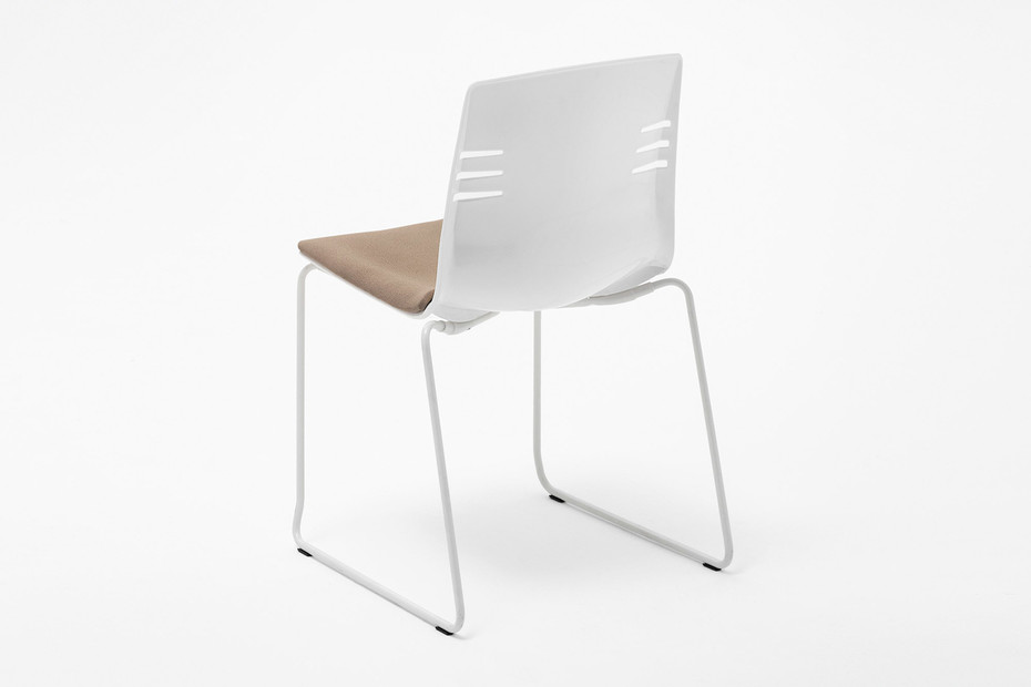 MIA SLED CHAIR