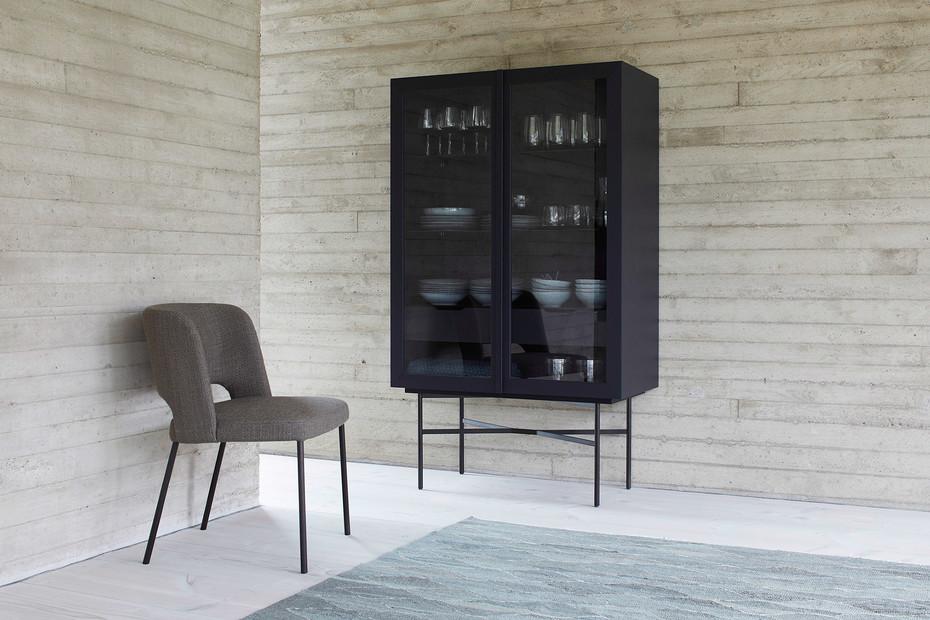 HARRI glass cabinet