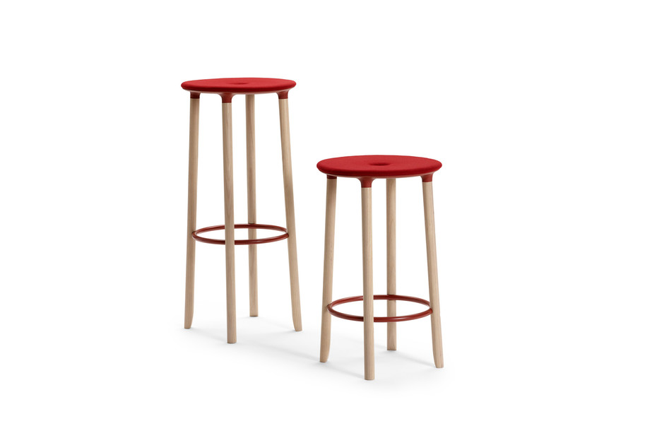 Move On bar stool