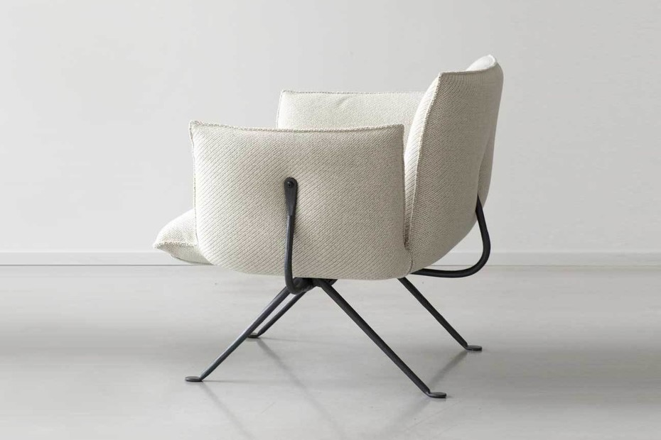 OFFICINA armchair with low couch